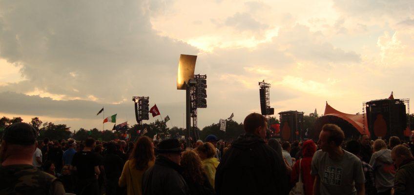 Arctic Monkeys 2/7-2011 Orange Stage